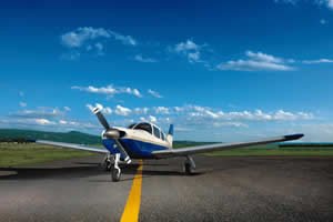 Piper PA28 Arrow - Exterior view